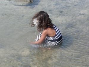 Medha splashing about.