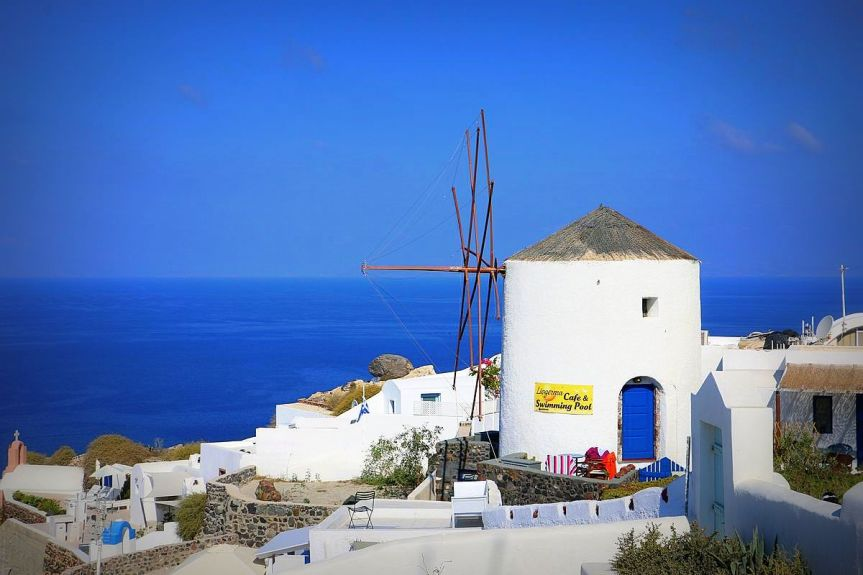 old wind mills in Oia